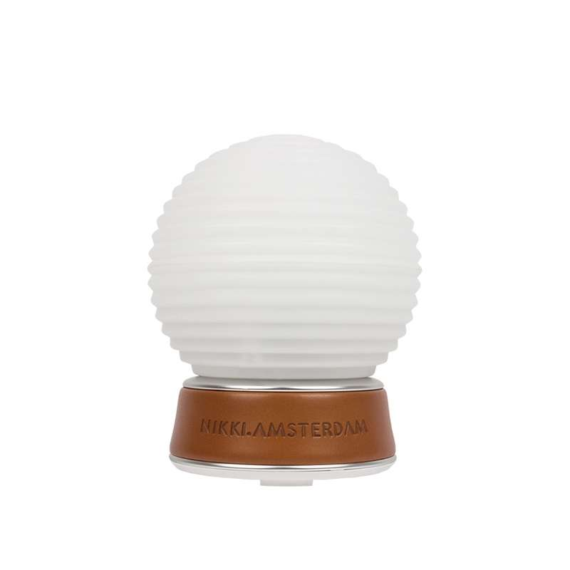 Nikki.Amsterdam The.Diffuser Color Luftbefeuchter mit LED Lampe und Öl (6x10ml)